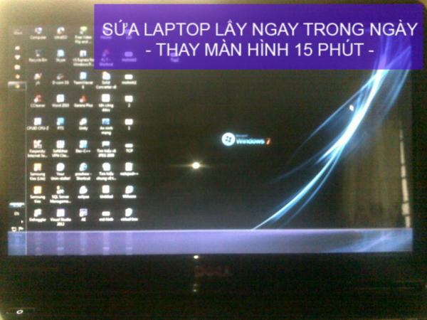 gia-sua-chua-man-hinh-laptop-bi-mo-mot-nua-nhu-moi-99-02