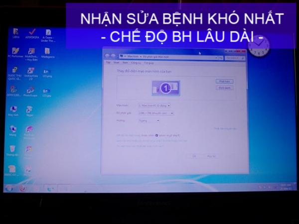 gia-sua-chua-man-hinh-laptop-bi-mo-mot-nua-nhu-moi-99-03
