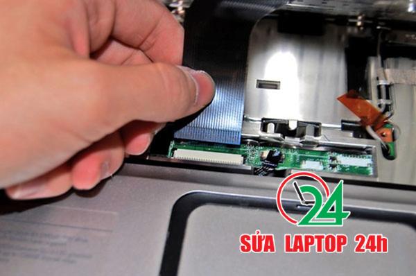 sua-ban-phim-laptop-bi-chap-bi-cham-01