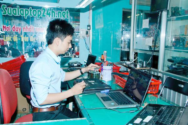 ve-sinh-laptop-11
