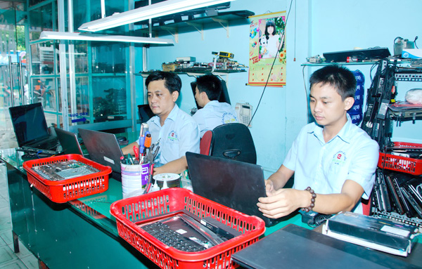 ve-sinh-laptop-12